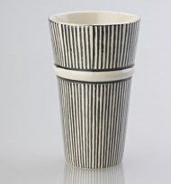 LATTE MUG THIN STRIPE BLACK